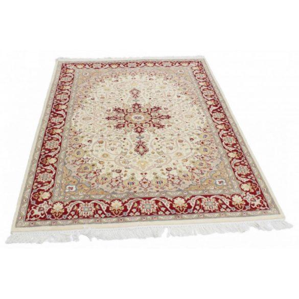 Perzsa szőnyeg Isfahan 136 X 214 kézi csomózású perzsa szőnyeg