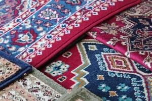 Egzotikus részletek a lakásban keleti szőnyegekkel